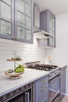 7 Most Simple Tips Can Change Your Life: Small Kitchen Remodel With Table kitchen remodel backsplash islands.Kitchen Remodel With Island Dark kitchen remodel on a budget small.Kitchen Remodel Must Haves House. Ikea Kitchen Design, Ikea Kitchen Cabinets, Kitchen Interior, New Kitchen, Kitchen Backsplash, Grey Cabinets, Kitchen Small, Kitchen Countertops, Backsplash Ideas