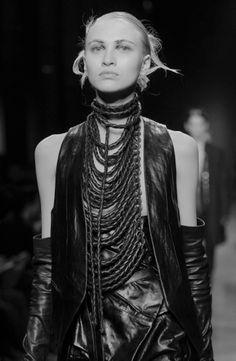 dreamsinmonochrome:  Ann Demuelemeester #gothic princess