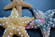 Starfish come in many sizes and colours. I have knitted my pattern using doubleknit wool, and needles, or wool and needles. I don't think there is a wrong size for a starfish. The embroidery on the starfish was a bit of an afterthought. Crochet Starfish, Crochet Fish, Crochet Toys, Knit Crochet, Starfish Art, Crochet Motif, Animal Knitting Patterns, Crochet Patterns, Knitting Projects
