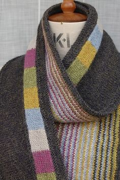 Ravelry: Seawall pattern by Louise Zass-Bangham Good color combo for a scarf pattern