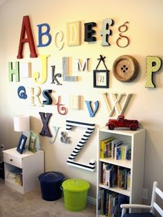 Toddlers Bedroom- would love to do this for the playroom