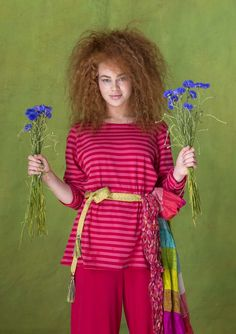 Striped top in organic cotton Regular fit. Length / M: 68 cm Item number 70400 Price SEK 395 sizes S-XXL