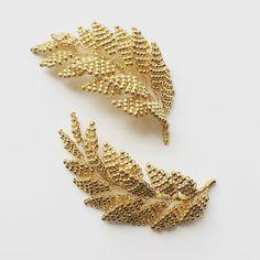 126 отметок «Нравится», 5 комментариев — Eden b. Studio (@edenbstudio) в Instagram: «The super sparkly LENA pins in Bright Gold ✨✨✨ . . . . . . #newcollection #edenbstudio #handcrafted…»