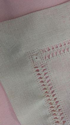 Carolina Ruiz Carrasco's media content and analytics Cushion Embroidery, Hardanger Embroidery, Hand Embroidery Stitches, Hand Embroidery Designs, Lace Embroidery, Embroidery Techniques, Sewing Techniques, Embroidery Patterns, Hem Stitch