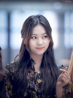 Extended Play, Kpop Girl Groups, Kpop Girls, Kim Ye Won, Cloud Dancer, G Friend, Entertainment, Nayeon, Korean Singer