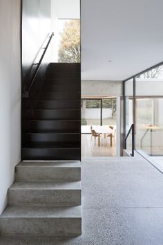 Pin By Aring Curren Sect Eacute Pound Aring Reg Cent On Stairs Concrete Stairs Staircase Architecture Design, Stairs Architecture, Minimalist Architecture, Modern Staircase, Staircase Design, Interior Stairs Design, Tamizo Architects, Concrete Stairs, Metal Stairs