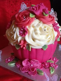 Giant Cupcake: oh my Gosh Pastel Cupcakes, Fancy Cupcakes, Flower Cupcakes, Yummy Cupcakes, Big Cupcake, Giant Cupcake Cakes, Cupcake Cookies, Unique Cakes, Creative Cakes