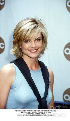 <b>Courtney Thorne Smith</b>