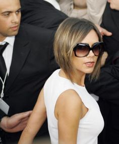 16 Asymmetrical Celebrity Haircuts to Inspire Your Next Salon Visit: Victoria Beckham: Posh Spice has been rocking an asymmetrical look off and on for quite some time. Victoria Beckham Stil, Victoria Beckham Short Hair, Victoria Beckham Hairstyles, Cut My Hair, New Hair, Hair Cuts, Beckham Haircut, Celebrity Haircuts, Celebrity Style