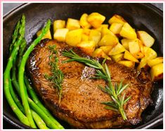 This is the top Sirloin Steak you can make on a stovetop. It's tender, juicy and easy to make for an elegant weeknight dinner! Sirloin Steak Recipe Pan, Sirloin Recipes, Grilled Steak Recipes, Sirloin Steaks, Beef Recipes, Recipies, Golden Potato Recipes, Steak On Stove, Cauliflower Soup Recipes