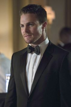 """Arrow -- """"Crucible"""" -- Image -- Pictured: Stephen Amell as Oliver Queen -- Photo: Jack Rowand/The CW -- © 2013 The CW Network, LLC. All Rights Reserved Arrow Tv Series, Cw Series, Green Arrow, Oliver Queen Arrow, Tommy Merlyn, David Ramsey, Stephen Amell Arrow, Arrow Cast, Oliver And Felicity"""