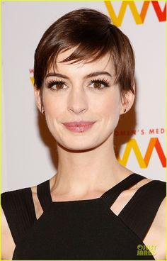 Full Sized Photo of anne hathaway womens media awards 09 Anne Hathaway, Hair And Beard Styles, Short Hair Styles, Famous Vegans, Styling Comb, Hair Heaven, Beard Lover, Beard Care, Women In History