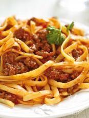 Bavette with sausage ragout - Bavette al ragù di salsiccia Spaghetti Bolognese, Ragu Bolognese, Sausage Recipes, Pasta Recipes, Cookbook Recipes, Cooking Recipes, Italian Main Courses, Nachos, Food Snapchat