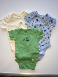 3854f5e45842 0-3 Boys Onesie set of 3. Cute set of outfits for someone expecting