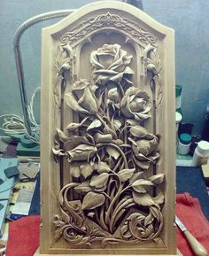 Tallado en madera, piedra y hueso. Wood Carving Designs, Wood Carving Art, Wood Art, Chip Carving, Art Carved, Wood Sculpture, Clay Art, Wood Crafts, Wood Projects
