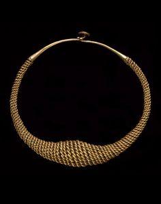 Indonesia ~ Nias Island | Necklace; gold | 19th century   |||  {GPA}