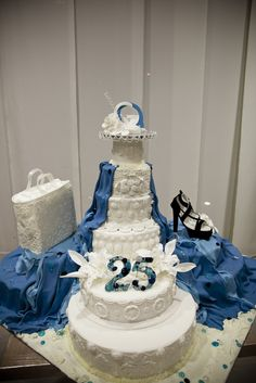 25° GEMMAZZURRA CAKE: BACK STAGE PHOTOGRAPHED BY ANTONIO LUCA' - by Red Carpet Cake Design