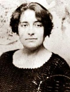 Lola Iturbe (1902-1990), Spanish journalist, active in the Mujeres Libres movement.