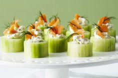 Świeże #ogórki z porcją puszystego serka #Tartare i łososia, czyli genialnie prosty sposób na efektowną i smakowitą przekąskę :)