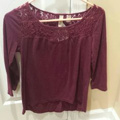 Maroon 3/4 sleeve shirt lace detail neckline This is a very pretty shirt says xsmall but fits like a small 30% off bundles 2 items or more aiming for bundles most items are $4 take a look ?? Tops