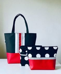 Best 12 Shoulderbag, polka dots, black and white, red, kosmetics bag. My work. Patchwork Bags, Quilted Bag, Tote Purse, Tote Handbags, Bag Patterns To Sew, Pdf Patterns, Fabric Bags, Handmade Bags, Beautiful Bags