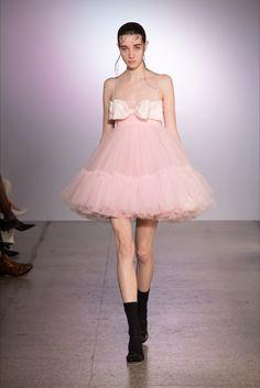 Cute Fashion, High Fashion, Fashion Show, Fashion Outfits, Fashion Details, Fashion Design, Haute Couture Fashion, Spring Couture, Jennie Blackpink