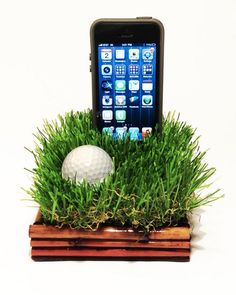 iPhone dock for golf lovers