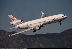 Japan Airlines (JAL) McDonnell Douglas MD-11