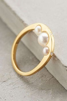 Pearl Cove Ring: this would be my ideal wedding ring. Absolutely stunning!