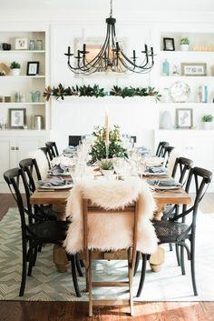 Best Autumn Themed Dining Room Design Ideas | Dining Room Ideas. Fall Home Decor. #diningroomideas #homedecor #falltrends Read more: http://diningroomideas.eu/best-autumn-themed-dining-room-design-ideas/