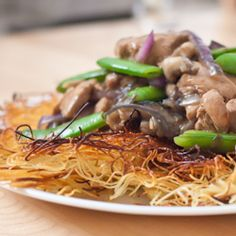 Cantonese pan-fried noodles