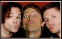 kisses to fans