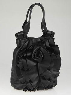 Valentino Garavani Black Nappa Leather Vertigo Hobo Bag Vertigo, Valentino Garavani, Hobo Bag, Stock Market, Purses And Handbags, Footwear, Feminine, Glamour, Hot