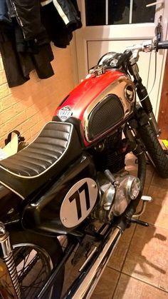 Classic Honda CD175 1977 Cafe Racer