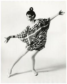 Peggy Moffitt in Rudi Gernreich op art dress in 1967. Op art is meant to confuse the eyes