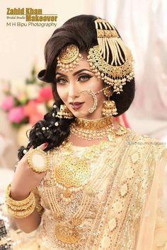 Saris, Pakistani Wedding Outfits, Indian Outfits, Wedding Dresses, Bridal Makeup Looks, Wedding Makeup, Bridal Poses, Indian Bridal Fashion, Bridal Photography