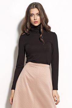 Gładka bluzka damska z golfem w kolorze czarnym