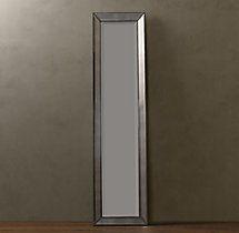 Venetian Beaded Leaner Mirror – Silver- VICTORIEN dans le salon a cote du garde robe