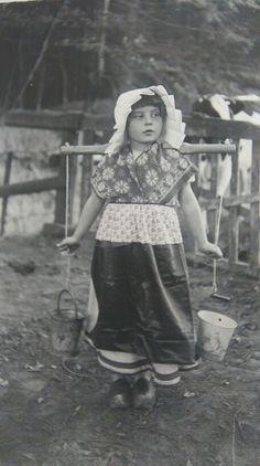 Oma verkleed als boerin 1929