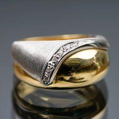 Timanttisormus, valko- ja keltakultaa. Rings For Men, Jewelry, Men Rings, Jewlery, Jewerly, Schmuck, Jewels, Jewelery, Fine Jewelry