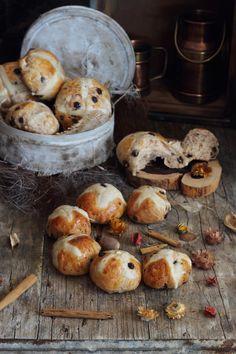 Mi Gran Diversión: Hot Cross Buns (Panecillos o bollos de Pascua) by Jamie Oliver