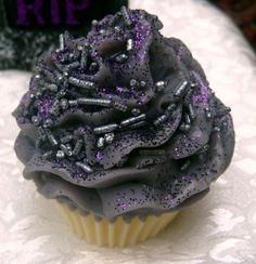 Halloween Decor Ideas Halloween Haunts Cupcake Soap #halloween #decor #soap www.loveitsomuch.com