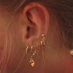 Ear Jewelry, Rose Gold Jewelry, Cute Jewelry, Jewelery, Jewelry Accessories, Jewelry Ideas, Golden Jewelry, Golden Earrings, Hipster Accessories
