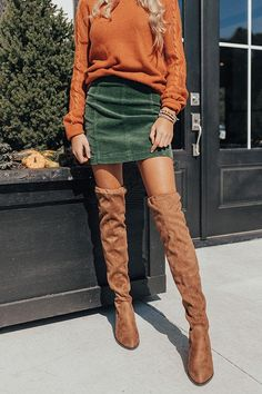 Magic On Melrose Mini Skirt Cute Fall Outfits, Fall Winter Outfits, Autumn Winter Fashion, Trendy Outfits, Girl Outfits, Fashionable Outfits, Sweater Outfits, Green Skirt Outfits, Winter Skirt Outfit