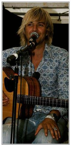 Wonderful pic of Keith Harkin! My favorite. (Irish group, Celtic Thunder. Also a solo artist)