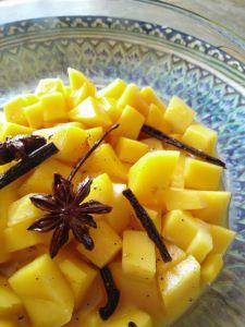 Mangue au jus d'agrumes et épices - Dessert d'hiver frais et léger (Parfait après une raclette !)