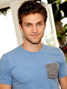 Pretty Little Liars Star Keegan Allen: I Know Who 'A' Is ... and So Do You! http://www.people.com/article/pretty-little-liars-keegan-allen-life-love-beauty @lybennett7