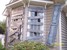 Love it!  It's scary and it would make our neighbors cringe..hehe!