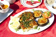 Best Places to Find Local Capetonian food – Cape Town Tourism Cape Town Tourism, Hello Weekend, Avocado Egg, The Good Place, Tasty, Vegetables, Breakfast, South Africa, Places