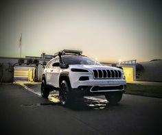 Jeep Trailhawk, Jeep Cherokee Trailhawk, Cherokee Car, Jeep Camping, Bug Out Vehicle, Jeep Liberty, Ride Or Die, Jeep Life, Offroad